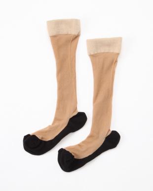 ベージュ×ブラック まるでストッキングを履いたようなくつしたプレミアム 美脚着圧タイプ3足セットを見る