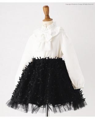 ブラック チュールスカート&ガーリージャケットスーツを見る