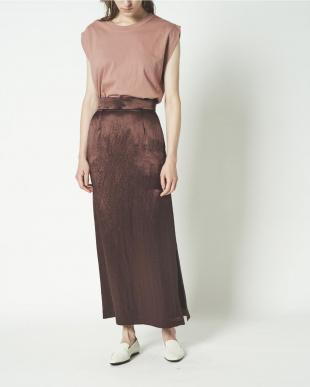 キャメル アセテートサテンナロースカートを見る