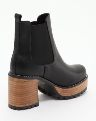 ブラック サイドゴア厚底ブーツを見る