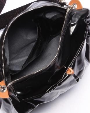 ブラック フランス製メタリックショルダーバッグ「マンマミーア」を見る