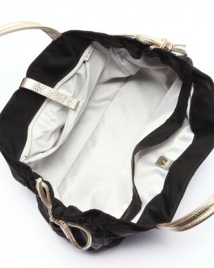 ブラック*ゴールド フランス製ナイロンハンドバッグ「コモ」を見る