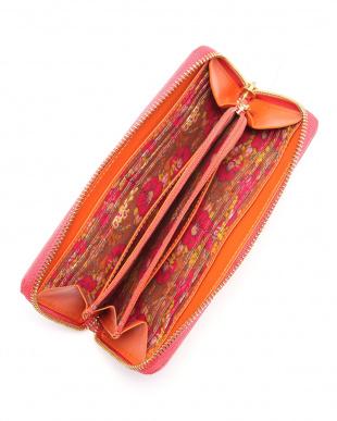 ピンク エターナルバタフライ ラウンド長財布を見る