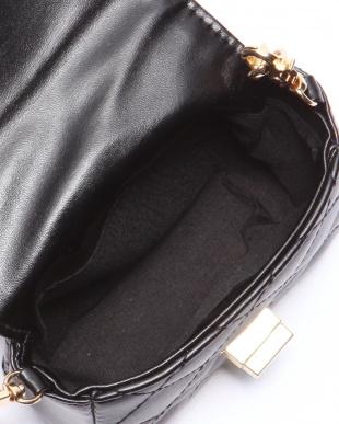 ブラック ミニキルティングバッグを見る