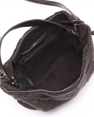 ブラックグレー ムートン巾着バッグを見る