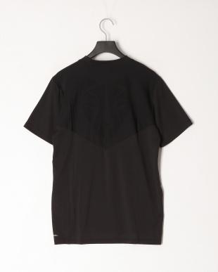PUMA BLACK ラン ライト レイザーカット SS Tシャツを見る