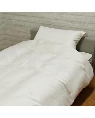 アイボリー ホワイトグースダウン95%使用 オーナメント柄刺繍入り羽毛掛け布団 シングル アイボリーを見る