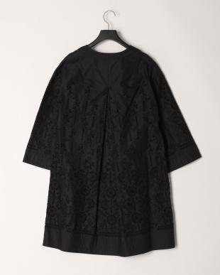 ブラックケイ コットンボーラー刺繍 Aラインコートを見る