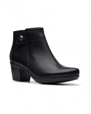 Black Leather Emslie Parulaを見る