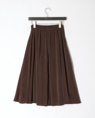 カーキブラウン サテンフレアスカートを見る