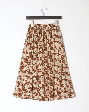 ベージュ リーフ柄プリントスカートを見る