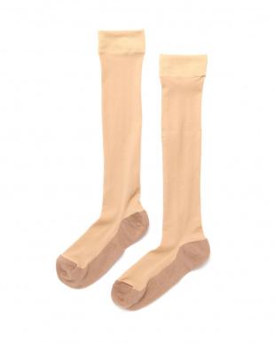 ベージュ まるでストッキングを履いたようなくつした 薄手キレイ魅せタイプ4足セットを見る