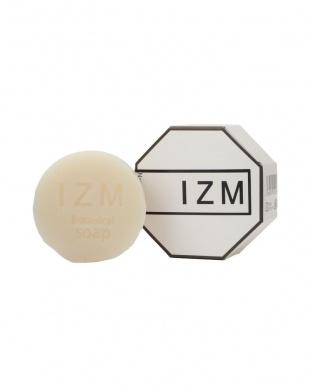 『IZM ボタニカルソープ』 100g(泡立てネット付)−豊かな泡立ちで毛穴の黒ずみ、お肌のざらつきが気になる方にオススメ−を見る