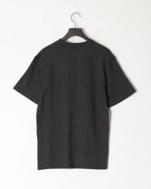 ブラック レギュラーフィット 胸ポケットTシャツを見る