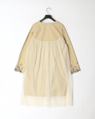 アイボリー 袖花蝶ボタニカル刺繍ツイル×チュールコートを見る