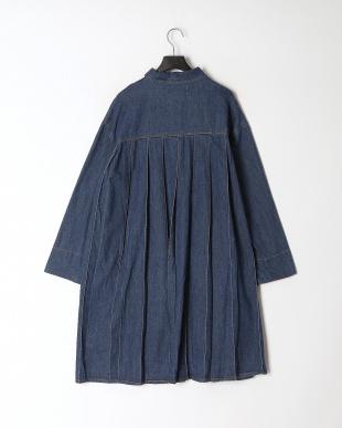 ネイビー デニム蝶刺繍バックプリーツタックコートを見る