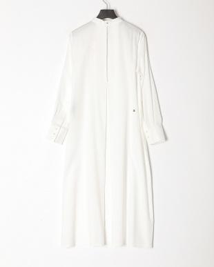 white 刺繍入りシャツワンピースを見る