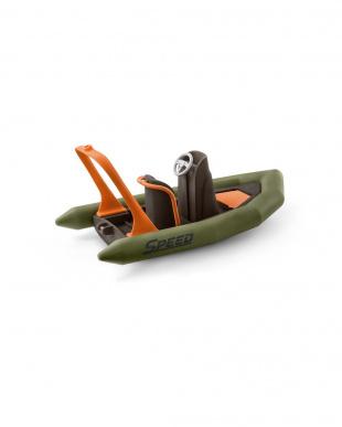 ジャングル調査隊ボートを見る