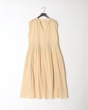 ライトベージュ フレンチスリーブ ドレスを見る