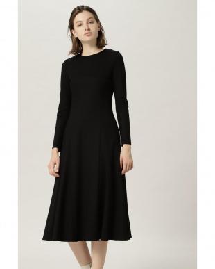 ブラック フレアスカートドレス FLOMLを見る