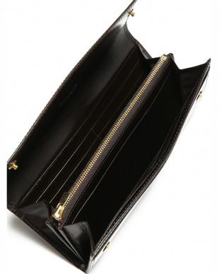 チョコ クリスペルカーフ 長財布を見る