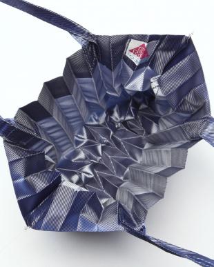 ブルー PLEATS BAGを見る
