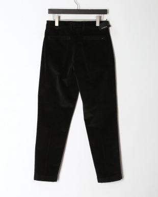 ブラック パンツを見る