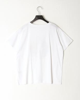 ホワイトケイ スパンコール刺繍モチーフTシャツを見る