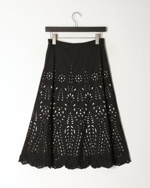 ブラックケイ カットワーク刺繍フレアースカートを見る