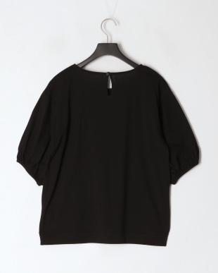 ブラック ボリュームスリーブTシャツを見る