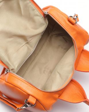 オレンジ バッグを見る