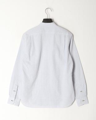 白系柄物 Vネックスタンドシャツを見る