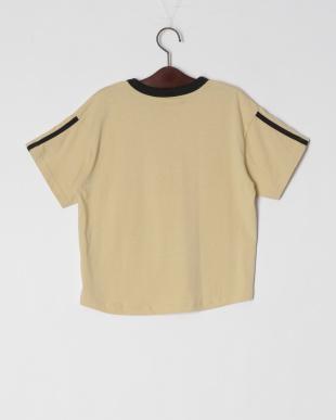 ベージュ オーバーサイズTシャツを見る