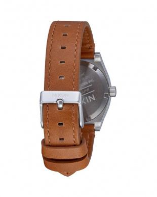 White / Saddle Medium Time Teller Leatherを見る