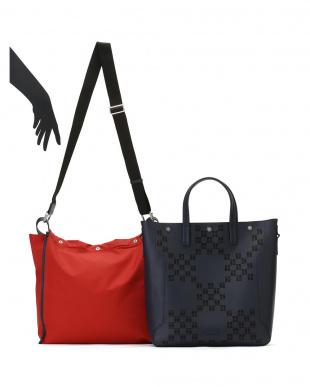 ブルー+ キス レザー  インナーバッグ付 2WAY バッグを見る