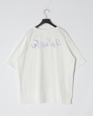 オフホワイト スカラーちゃんアート柄アップリケBIG Tシャツを見る
