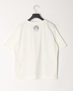 オフホワイト イヌアート柄Tシャツを見る