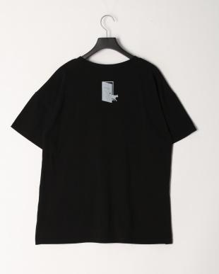 ブラック スカラーちゃんのお部屋BIG Tシャツを見る