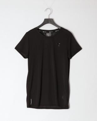 PUMA BLACK/FIZZY YELLOW STUDIO レース キーホール SS Tシャツ/ウィンターパール タイ Tシャツを見る