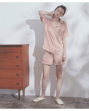 ピンク 半袖サテンナイトウェア/パジャマ2点セットを見る