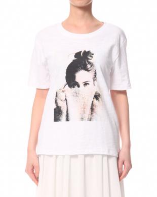 ホワイト WOMENプリントTシャツを見る