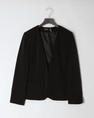 BLACK ジャケット・パンツ・ブラウス スーツ3点セットを見る