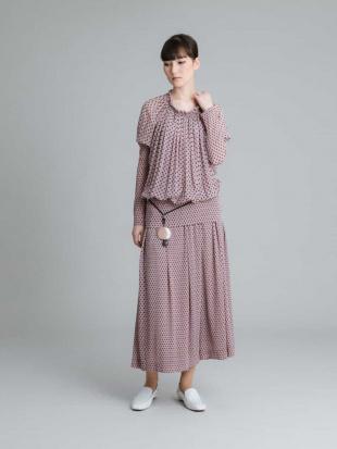 ピンク 【洗える/日本製】マジョリカプリーツワイドパンツ HIROKO KOSHINOを見る