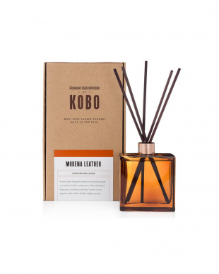 SCENT DIFFUSER& ROOM SPRAY MODENA LEATHER セットを見る