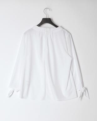 ホワイト [ストレッチ/シワになりにくい]袖リボンプルオーバーを見る