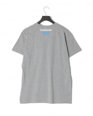 グレー HUMANITYプリント半袖Tシャツを見る