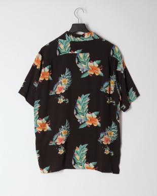 ブラック アロハシャツを見る