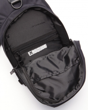 BLACK JADE EXCLSV BODY BAGを見る