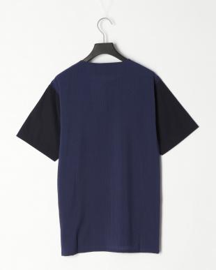ネイビー ハーフストライプ スリット Tシャツを見る