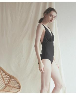 ブラック バックオープンクロスワンピース/水着を見る